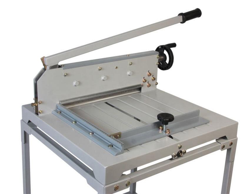 Guilhotina Semi-Industrial STD-430 largura 430mm p/300 Fls Com Mesa