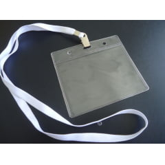 KIT Protetor Pvc P/Cracha Horizontal 80x110 + Cordão Poliester Jacare C/100 PÇS